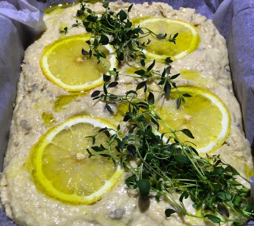 Focaccia med sitron og timian