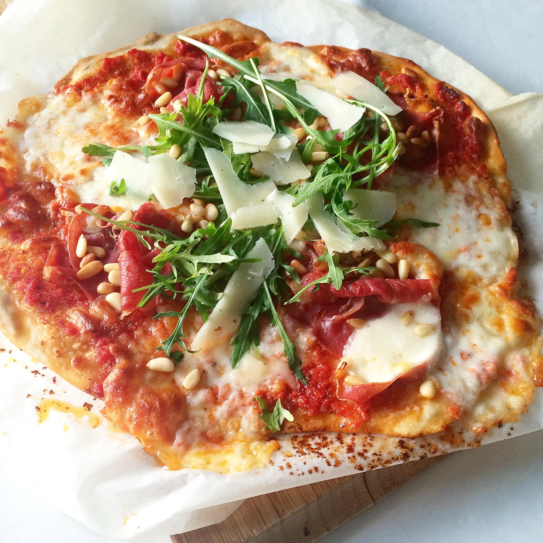tynn pizzabunn uten heving