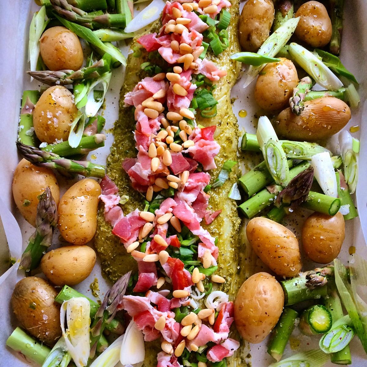 Ovnsbakt torsk med pesto og bacon