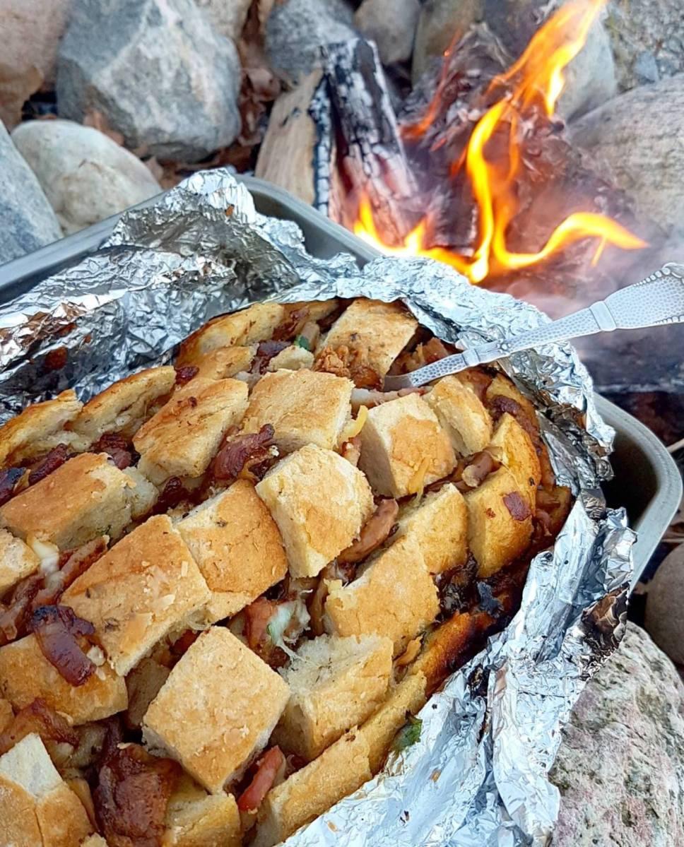 """""""Pull apart bread"""" med sopp, bacon og ost"""
